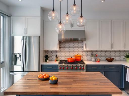 Освещение на кухне — важный элемент